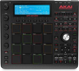קונטרולר להפקת מוסיקה ותוכנת Akai MPC Sudio Black MPC