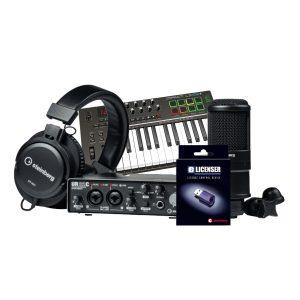 חבילת אולפן כוללת כרטיס קול מיק. אולפני אוזניות מקלדת שליטה וסט תוכנות לאולפן Steinberg Production